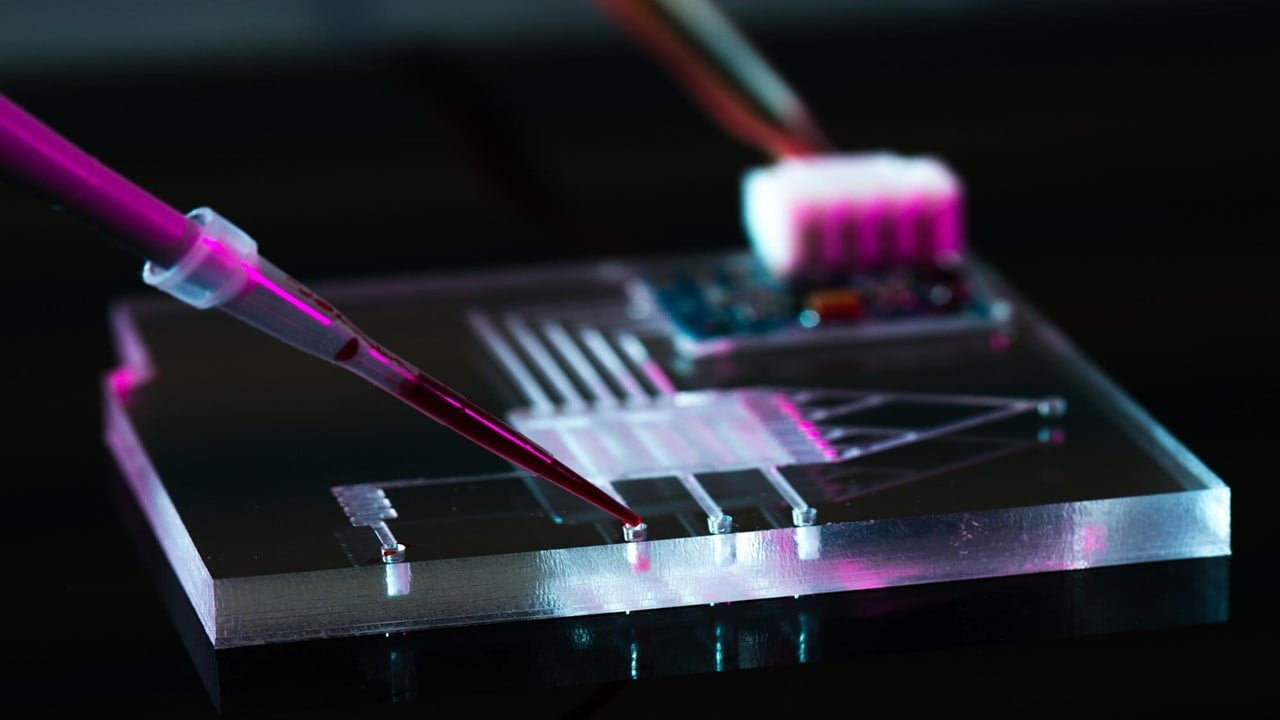 Pyroelectric Crystal For Microfluidics